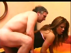 italian hawt daddy fucking with tranny - scene 0