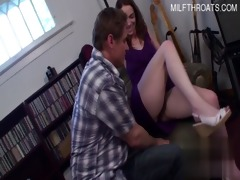 hot daughter jizz flow in face hole