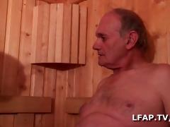brunette hair francaise sodomisee par 7 mecs dans